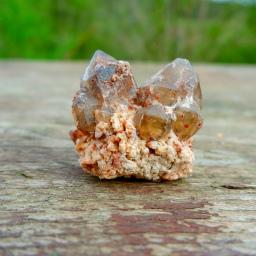 Krystaly v zahradě
